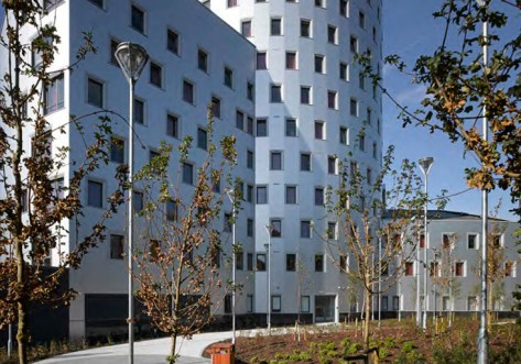 victoria-hall-student-accommodation-in-london-garden-03